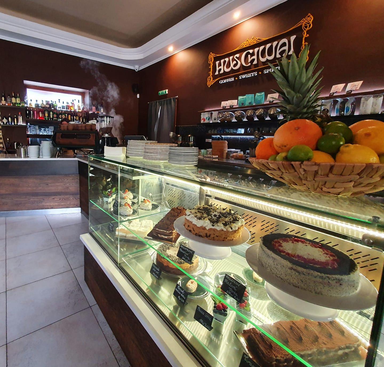 Kaviareň - Huschwai Cafe